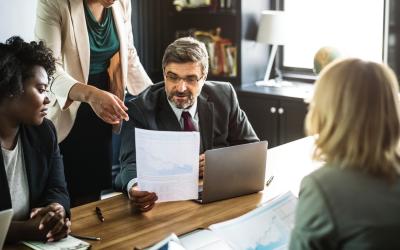 Vier vereisten voor het opzetten van een MKB-adviespraktijk
